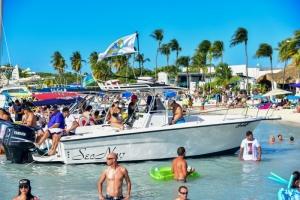 Chill ta satisfecho cu e sosten na Boatfest 2018