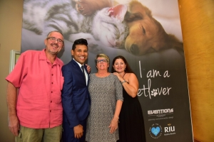 Riu Palace Antillas cu fundraising brunch pa yuda cuida bestianan den necesidad