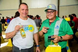 Giovanni Bermudez awor na cabes di Tropical Bottling Co.
