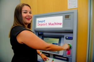 Aruba Bank a introduci nan self service area na Hato