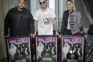 Jeon ta ricibi premio platinum pa produccion 'Machika' na Merca