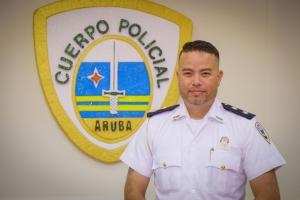 Andrew Hoo ta e Alto Comisario interino nobo di Cuerpo Policial Aruba