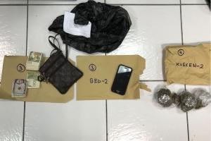Entrada hudicial a resulta den 4 detencion y a confisca droga