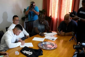 Chicago Sun Times: Jerrick Francees e prome Arubiano pa firma cu Chicago White Sox