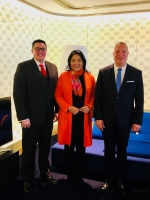 Varios minister di Gabinete Wever Croes pareu na Hulanda