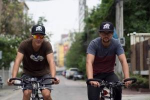Rumannan Laclé ta completa jornada internacional riba bicicleta di un aña