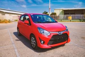 Diasabra awo por test drive e hatchback nobo Toyota AGYA