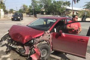 Chauffeur di truck a hera drenta e truck den un cas na Dakota