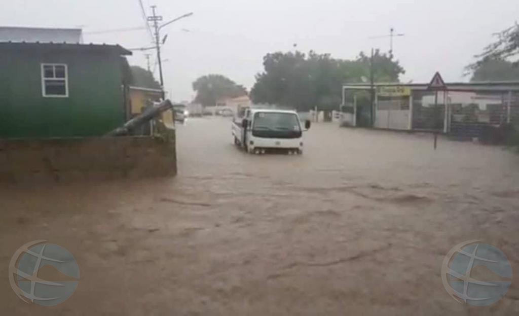 Mal tempo na Corsou ta causando hopi problema di inundacion
