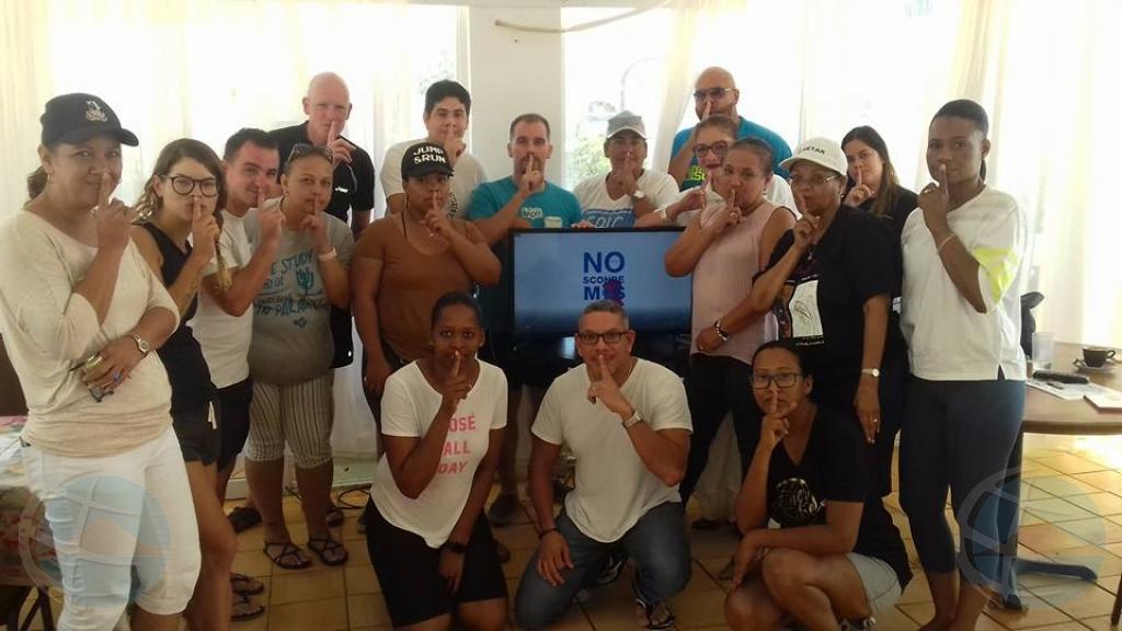 Kiwanis Club Aruba y Cruz Cora cu session 'No Sconde Mas' na Playa
