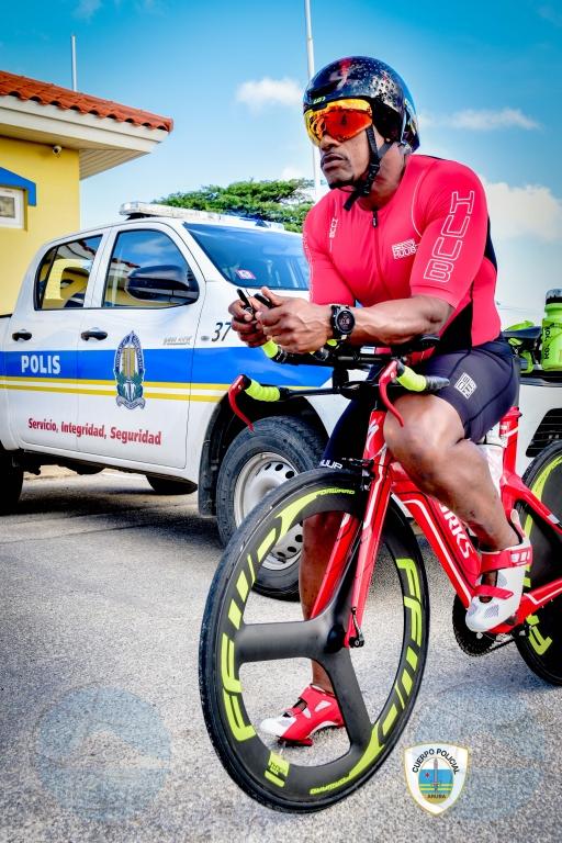 Vianney Coffie e prome polis pa participa den Competencia Ironman