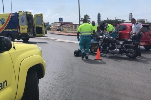 Chauffeur ta sali dilanti motorciclista y causa accidente na rotonde ex Drive Inn