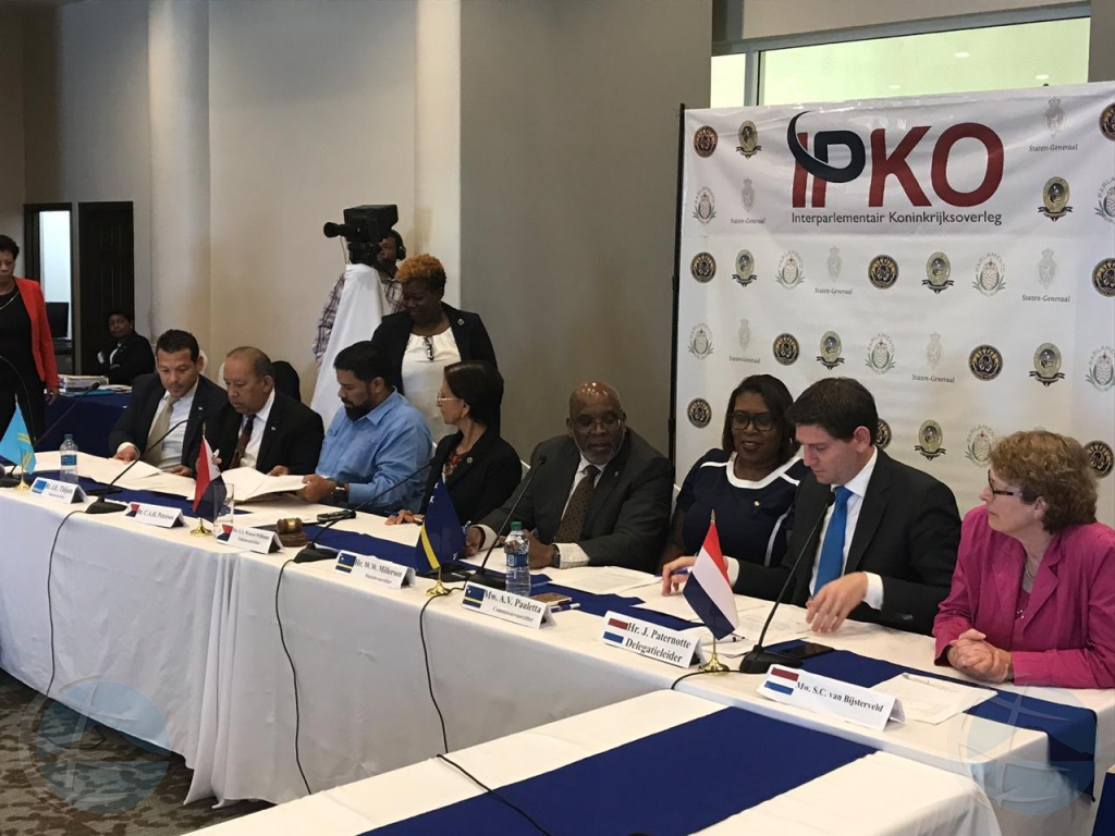 Parlamentarionan di Reino Hulandes convenci cu IPKO ta funciona bon