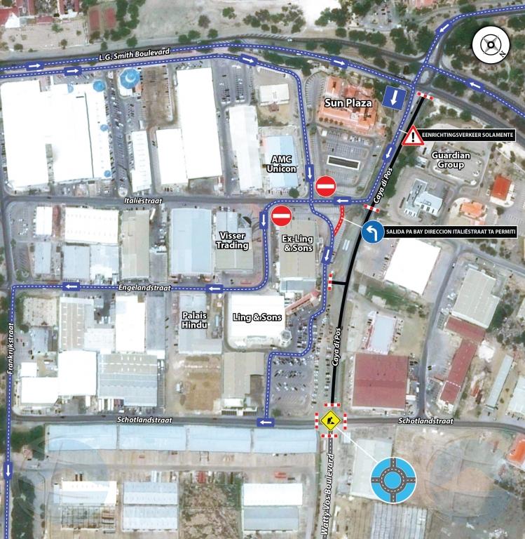 Direccion di trafico ta cambia banda di Sun Plaza: Italiestraat pa LG. Smith Blvd