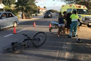 Auto a dal ciclista banda di tres trapi