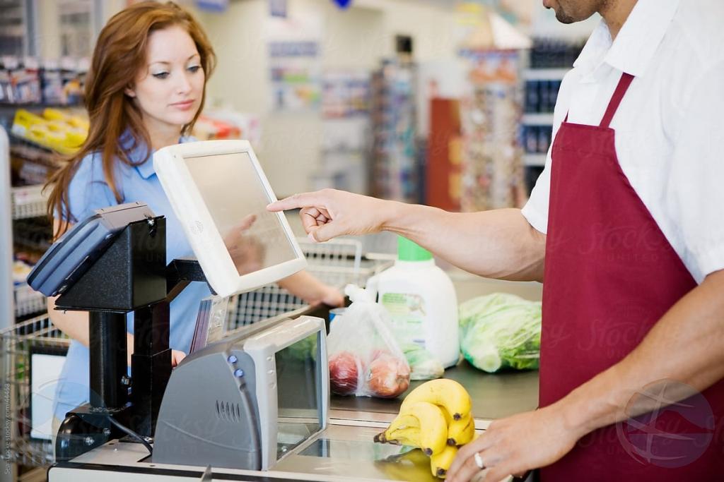 Director di supermercado grandi sospecha di ta exploita trahadonan legal y ilegal