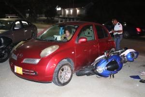 Auto y brommer envolvi den accidente na Caya Betico Croes