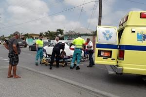 Ciclista a dal tras di auto y keda basta herida na Yaraweg