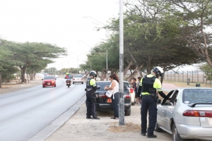 Polis motorisa a controla 400 chauffeur y detene 9 durante control