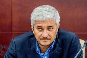 Parlamentario Heyliger a keda traslada pa prison na Bonaire