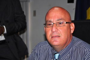 Huez y fiscal for di Aruba lo trata caso contra ex vocero OM otro siman