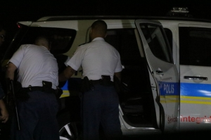 Polis a detene homber den bar na Tanki Leendert pa acto di Pedofiel