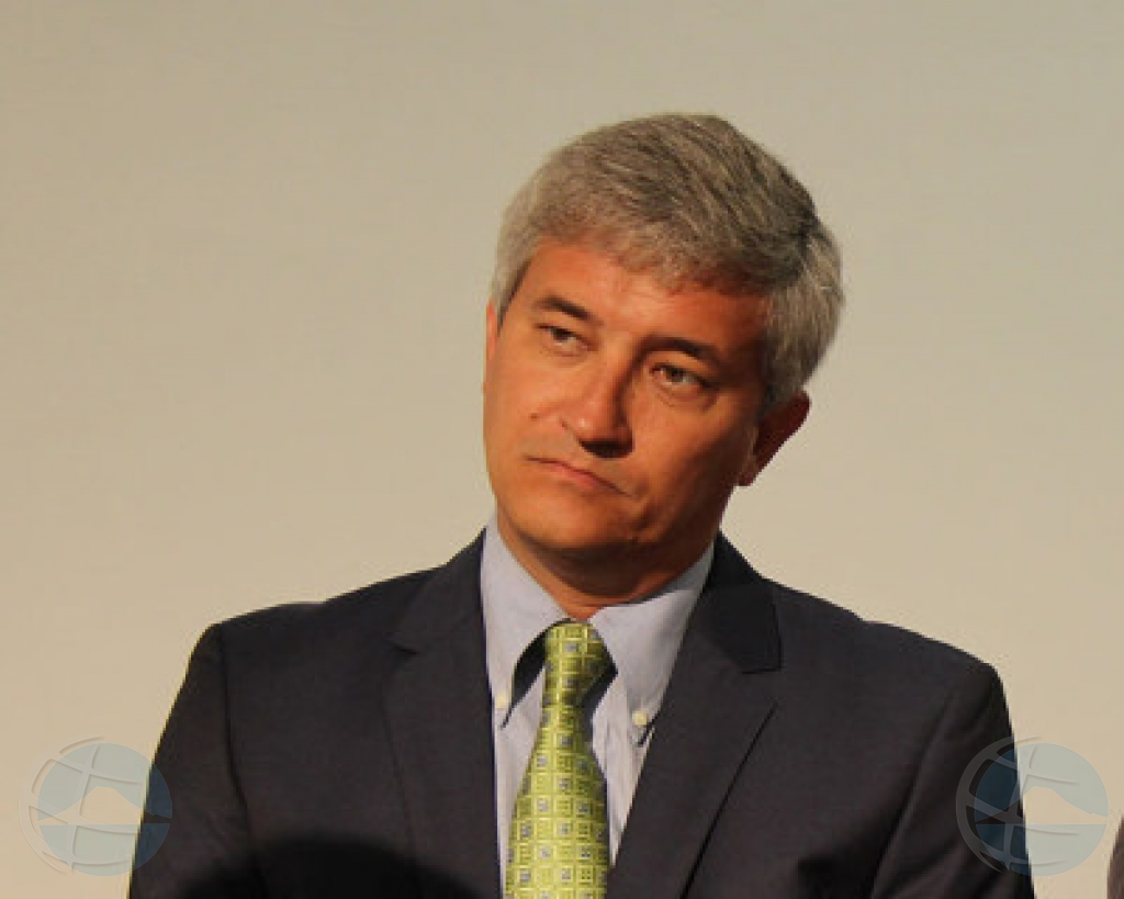 Parlamentario di St Maarten Theo Heiliger den libertad bao fiansa