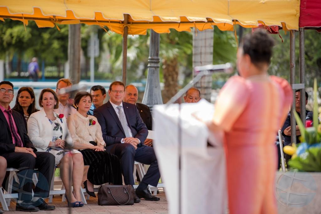 Gobernador presente na celebracion Dia di Independencia di Filipina