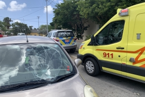 Hoben ciclista herida despues di a dal den auto