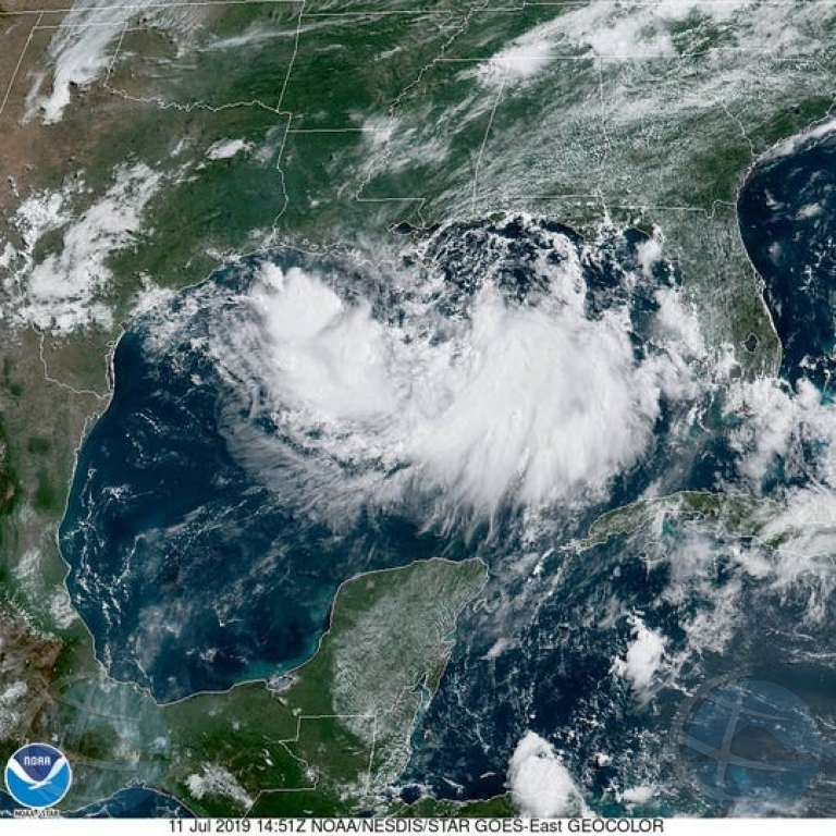 Tormenta tropical Barry a nace awe mainta den golfo di Mexico