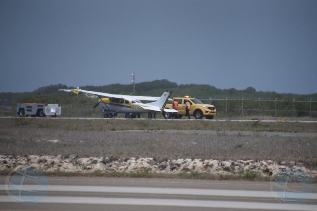 Avioneta cu a haya flat tire tabata Cessna for di Colombia