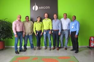 EcoGas a firma acuerdo pa reuza tur desperdicio di Aruba