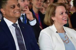 Premier Wever critico riba Hulanda pa aanwijzing duna na Corsou