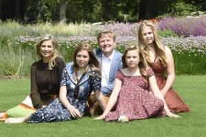 Famia Real a saca potret annual di verano na nan cas nobo