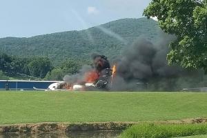 Leyenda di NASCAR Dale Earnhardt Jr a sobrevivi crash di avion