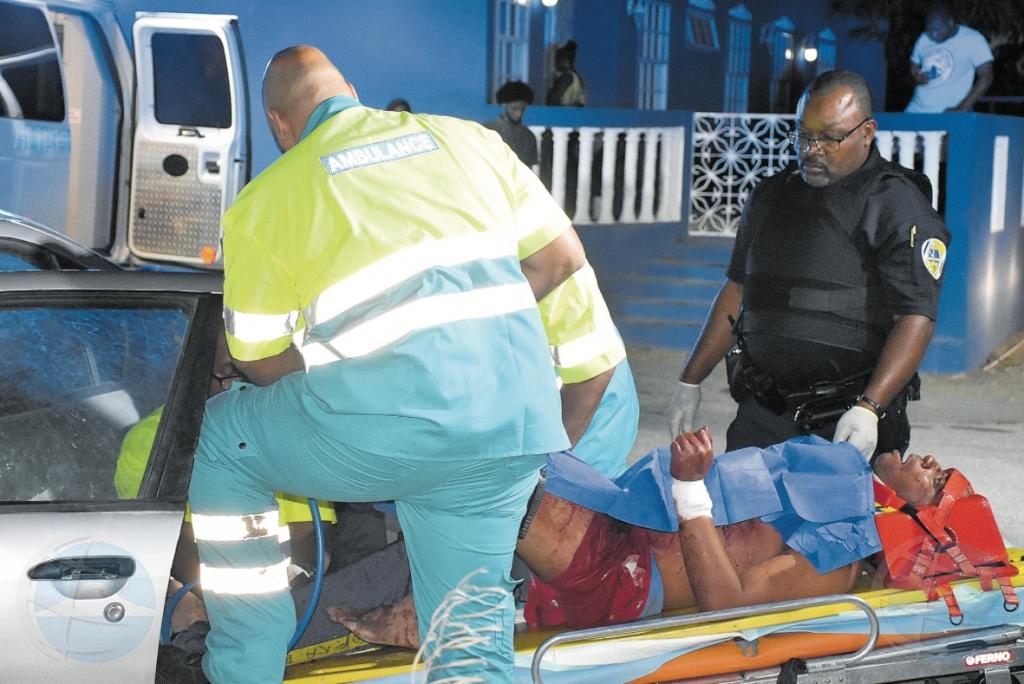 Na Corsou, homber a corta pareha cu nabaha pa despues accidenta cu vehiculo