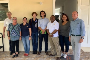 Rotary Club Aruba a ricibi bishita di District Governor Trevor Blake