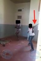 Detencion di 4 hoben cu a bati un adicto ambulante, a keda prolonga awe