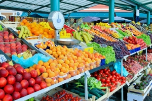 Doñonan di fruteria kier importa fruta y berdura di Venezuela