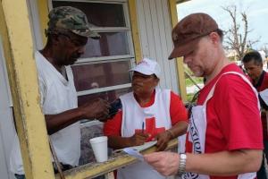 Cruz Cora Aruba a colecta mas di 35 mil florin pa damnificadonan di horcan na Bahamas