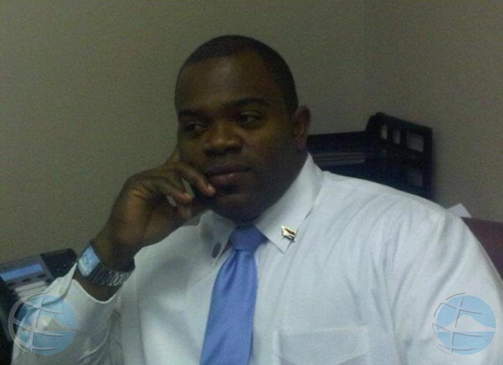 Detencion di ex minister di St Maarten prolonga cu 8 dia mas