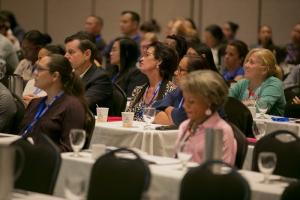 E di 5 Island Wound Care symposium di Hospital a brinda hopi posibilidad