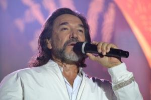 Marco Antonio Solis a entretene su publico di Aruba pa mas di dos ora