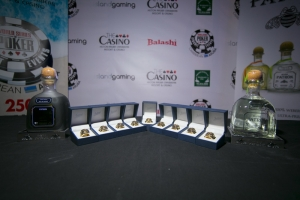 Hungadonan local di poker tambe por participa den 'World Series Poker Aruba'
