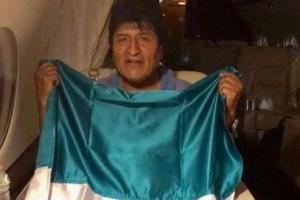 Ex presidente di Bolivia a biaha pa Mexico despues di a haya asilo politico
