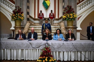 Bolivia lo expulsa tur funcionario di embahada Venezolano proximamente