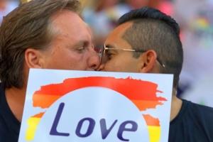 RvA: No tin pura pa introduci matrimonio mexun sexo na Corsou
