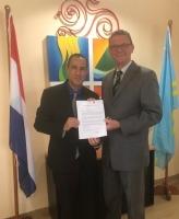 David Passchier a huramenta como ambtenaar na Raad van Advies