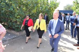 Minister Knops sumamente impresiona cu trabou di FHMD