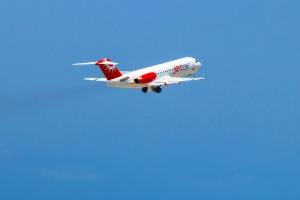 Jetair a haya permiso pa bula commercial entre Corsou y St Maarten